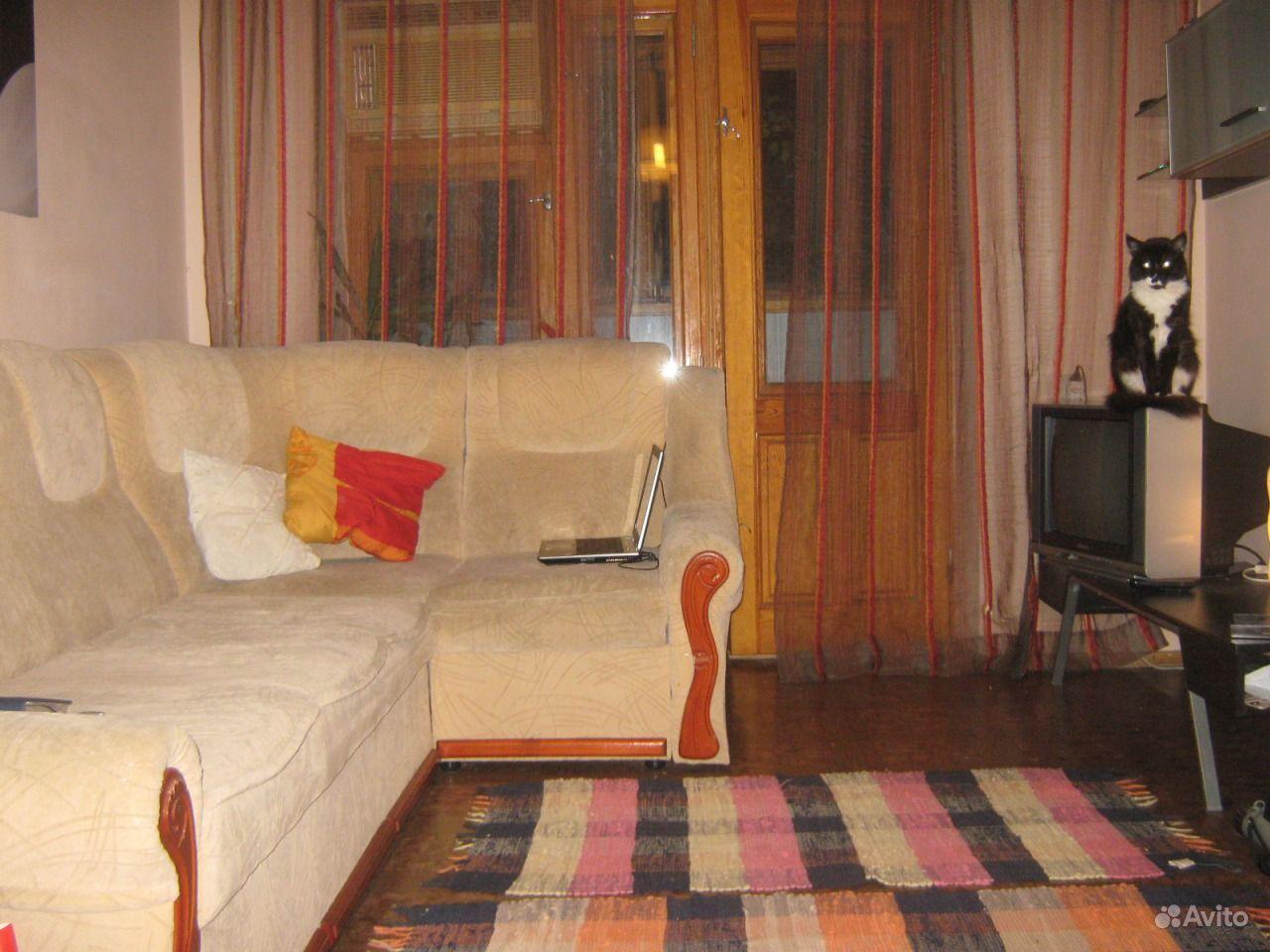 Стенка с диваном