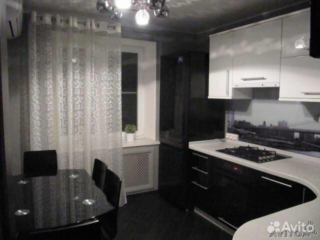 Интерьер прямоугольной кухни 12