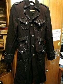 Новое женское пальто и плащ