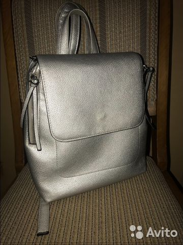 448e0d97b537 Состояние идеальное Модный стильный металлизированный рюкзак Stradivarius.  Рюкзак