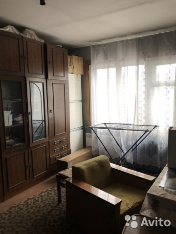 Продается трехкомнатная квартира за 2 200 000 рублей. г Мурманск, пр-кт Героев-североморцев, д 15 к 1.