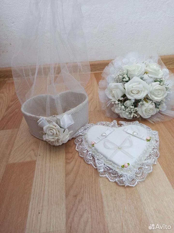 Букет невесты, подушка для колец и бутылочница