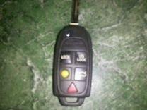 Ключ выкидной с чипом Volvo оригинал бу